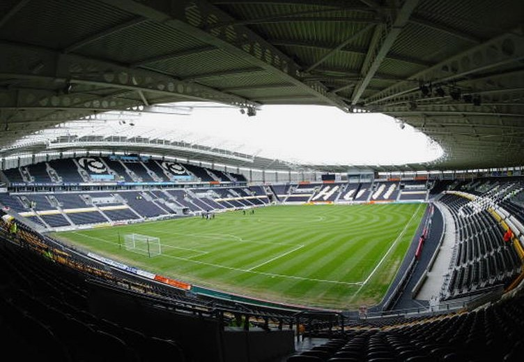 HULL PREVIEW: Stress balls, whistles, no concessions, and a tiny bit of footie.