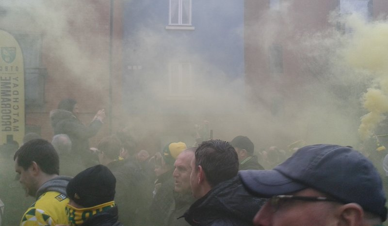 A Sunday lunchtime like no other… complete with songs, marches, flares and three points