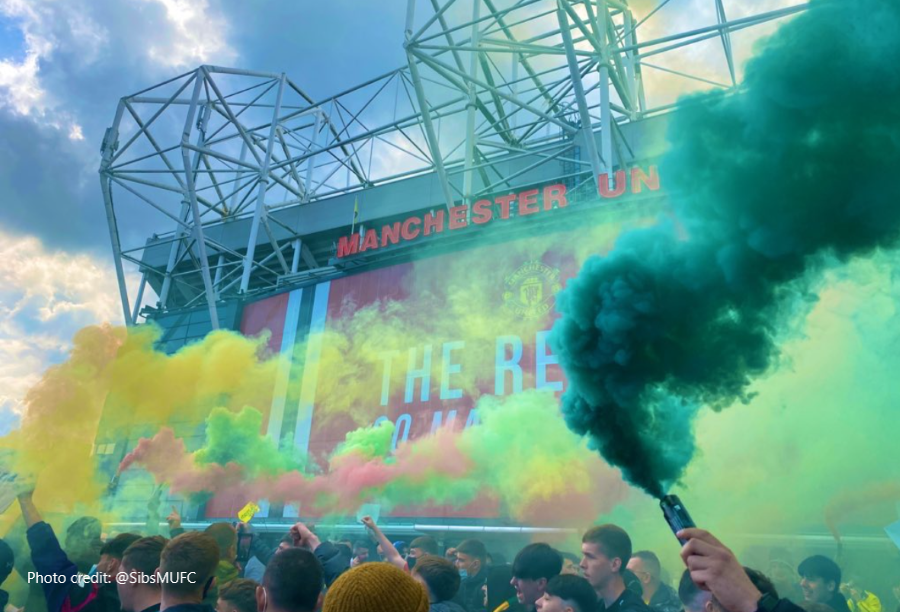 Man Utd, with their yellow & green scarves and hankering for some distant heritage…